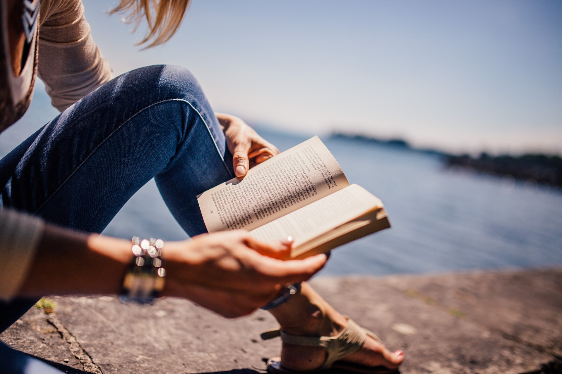 Read more about the article It's Better to Read The Best Books 100 Times Than to Read 100 Different Books a Year